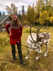 """Ullis och Frost på vandring i programmet """"Epic Trails""""."""